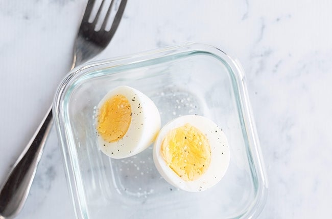 Perfect-Hard-Boiled-Eggs_RESIZED-17 (1)