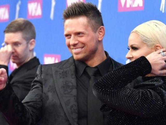 2018 MTV VMAs: WWE Superstars Miz and Maryse Arrive on Red Carpet