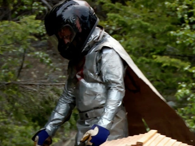 'Alaskan Bush People': Matt Brown Transforms Into Beekeeper Man in Hilarious New Clip