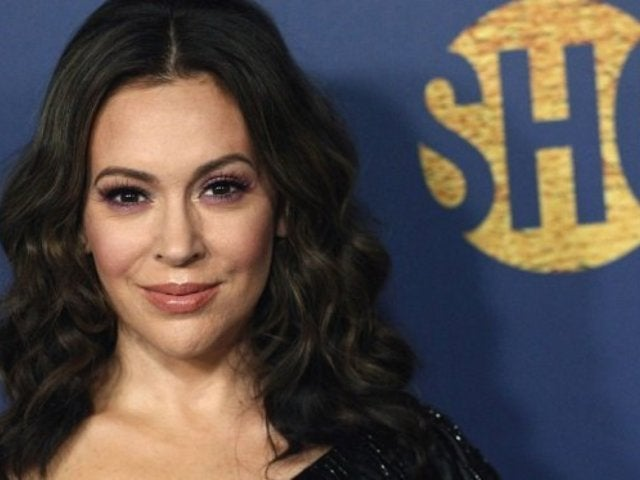 'Insatiable' Star Alyssa Milano Embraced by Fans After She Takes on President Trump