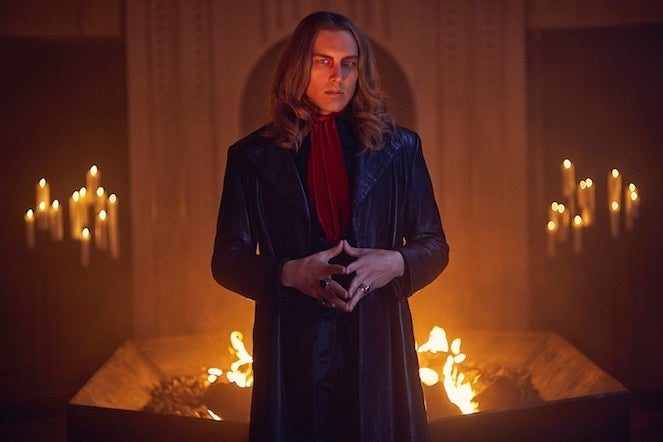 American-horror-story-apocalypse-season 8-Cody_Fern_0043_re01