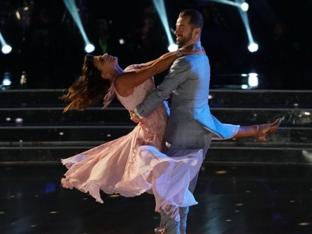 'Dancing With the Stars' Viewers 'Utterly Blown Away' by First Blind Contestant Danelle Umstead