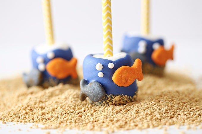 Finding-Dory-Marshmallow-Pop-2-copy