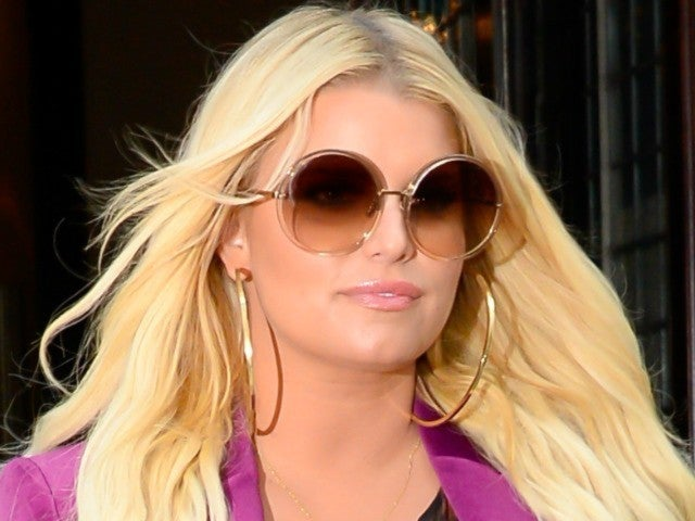 Jessica Simpson Slams Natalie Portman for Comments Made About Bikini Photo