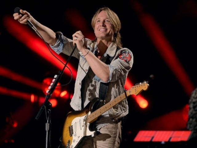 Watch Keith Urban's Musical Tribute to Artists We Lost in 2018