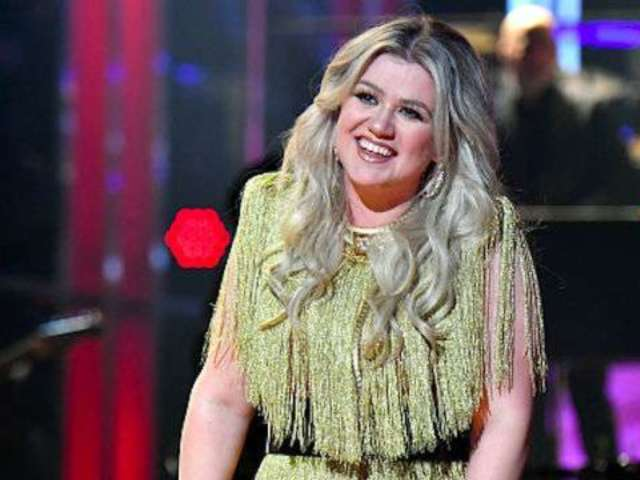 'The Voice' Coach Kelly Clarkson Reveals Why 'Winning Doesn't Matter'