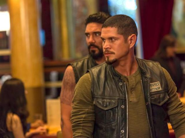 'Mayans M.C.' Episode 8 Cliffhanger Leaves EZ and Angel in Trouble