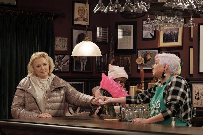 murphy-brown-revival-episode-1-CBS-8