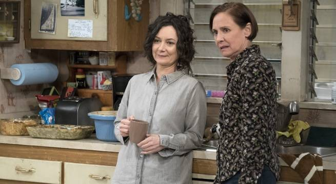 the conners sara gilbert laurie metcalf abc