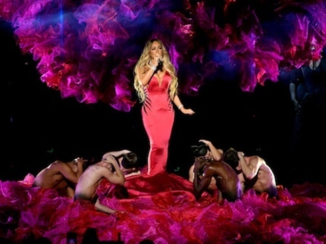 AMAs 2018: Mariah Carey Wows Viewers With Soulful 'With You' Performance