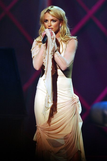 britney-spears-american-music-awards-200