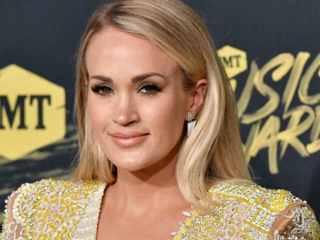 Carrie Underwood Jokingly Calls Out 'Bachelor' Colton Underwood