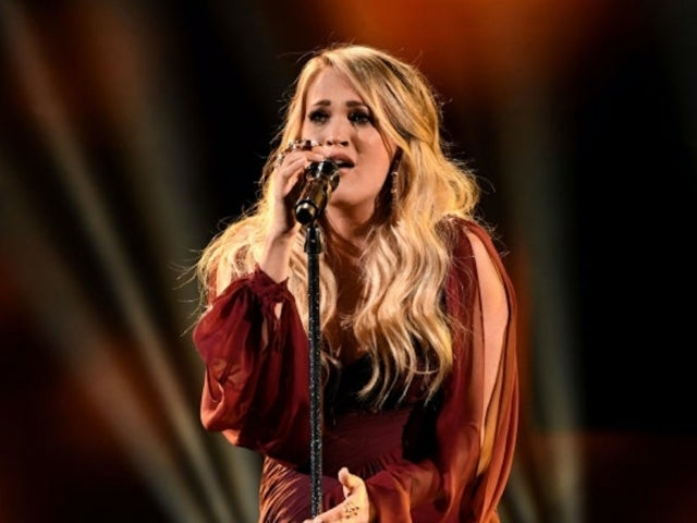 AMAs 2018: Carrie Underwood's Baby Bump Steals the Show During 'Spinning Bottles' Performance