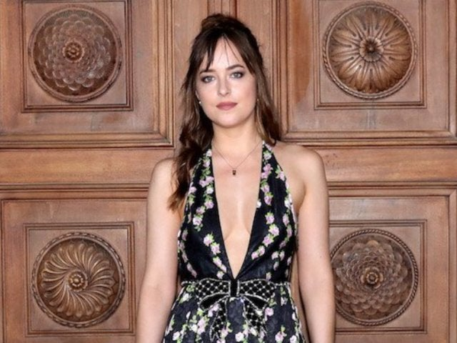 'Fifty Shades of Grey' Star Dakota Johnson Explains Why Her Tooth Gap Closed