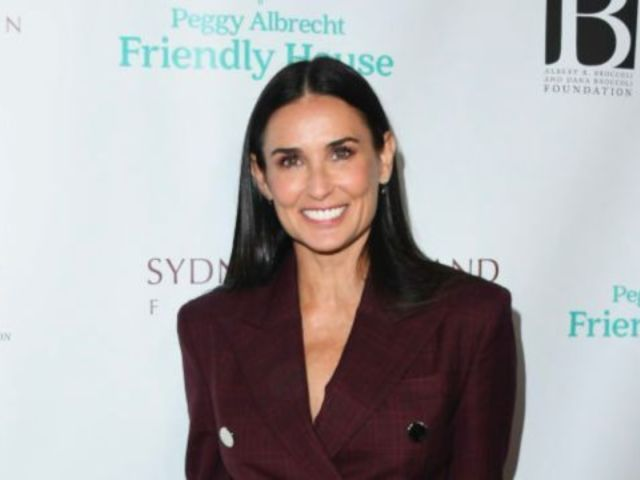 Demi Moore Reveals Throwback '70s Ab Photo