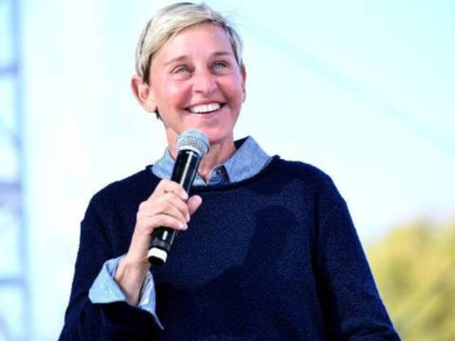 Ellen DeGeneres Fans Weigh in on 'New' Hairdo After Hair Coloring Goes Wrong