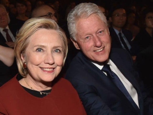 Bill and Hillary Clinton Booed at Billy Joel Concert