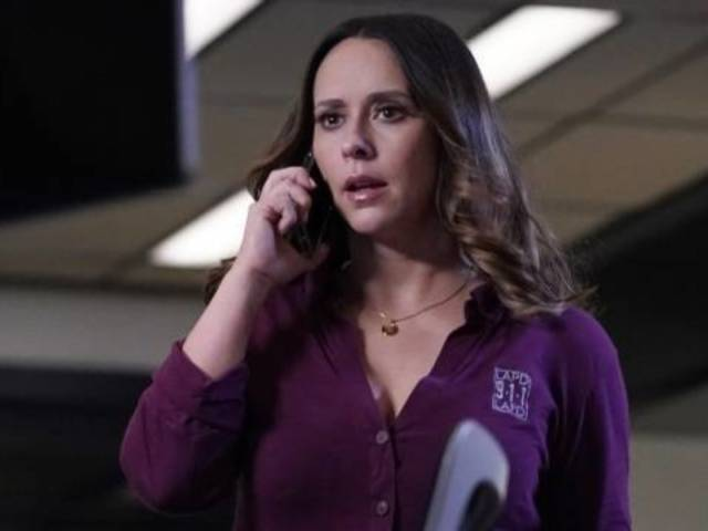 '9-1-1': Angela Bassett and Jennifer Love Hewitt Team up in Preview for Monday Night's Episode