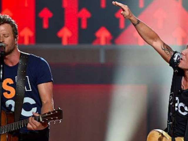 Keith Urban, Dierks Bentley Among Stars to Appear at CMT Artists of the Year Ceremony