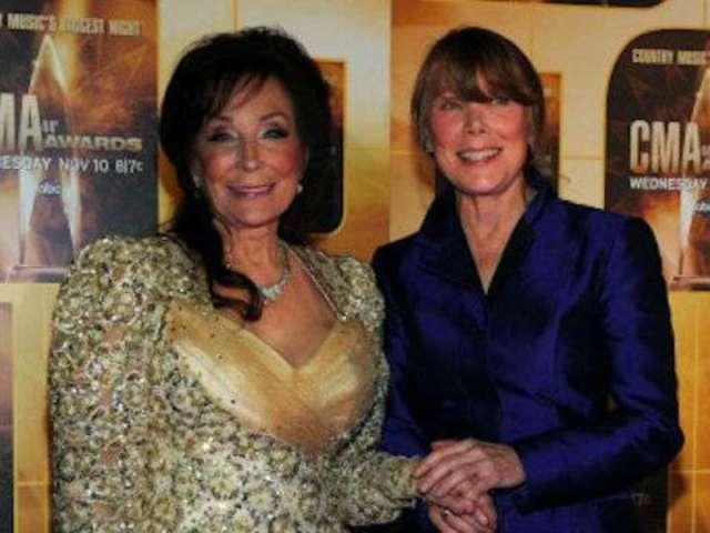 Loretta Lynn Celebrates 40th Anniversary of the 'Coal Miner's Daughter' Movie Starring Sissy Spacek
