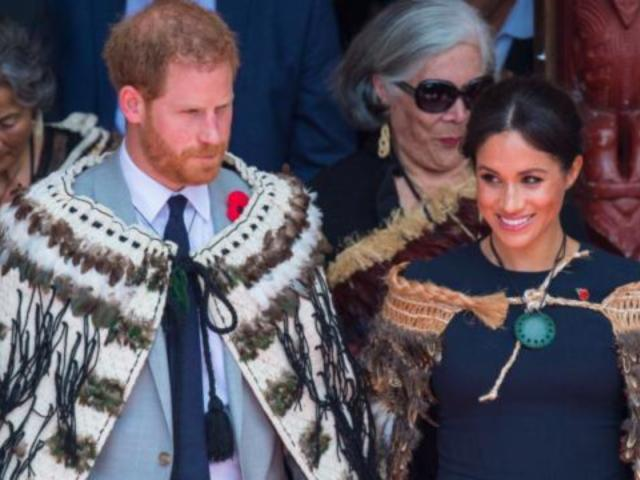 Pregnant Meghan Markle Gifted Traditional New Zealand Cloak to Protect Baby
