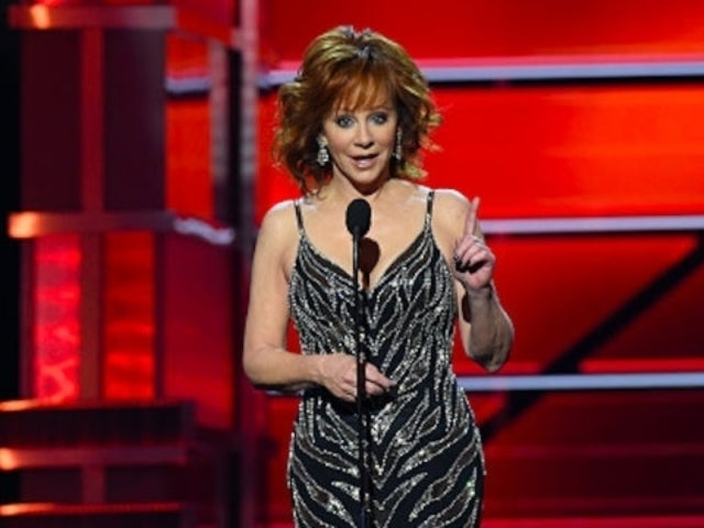 Reba McEntire to Receive Prestigious Honor at 2019 CMT Artists of the Year Ceremony