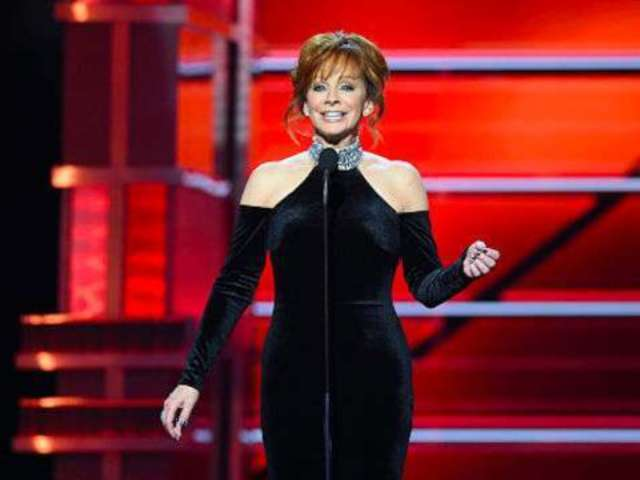 Reba McEntire Posts Throwback Video Singing 'Sweet Dreams' in Memory of Patsy Cline