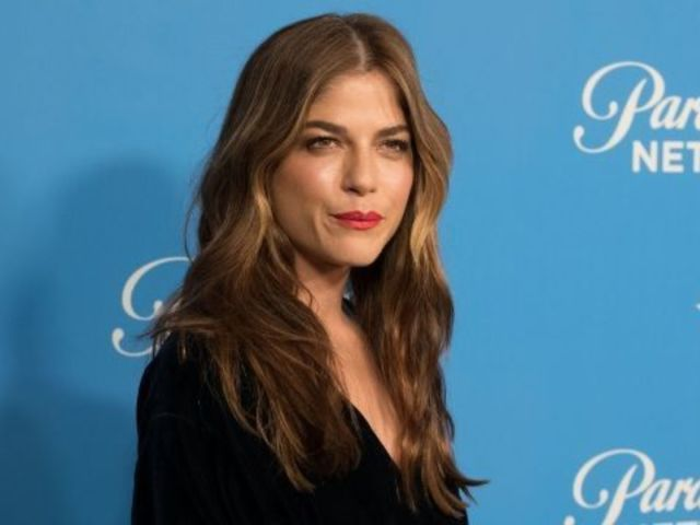 Selma Blair Posts Heartbreaking Photo, Reveals She 'Wants to Cry' and 'Wants Her Mom'