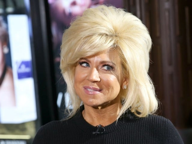 'Long Island Medium' Theresa Caputo Undergoes Surgery After Suffering Injury on Tour