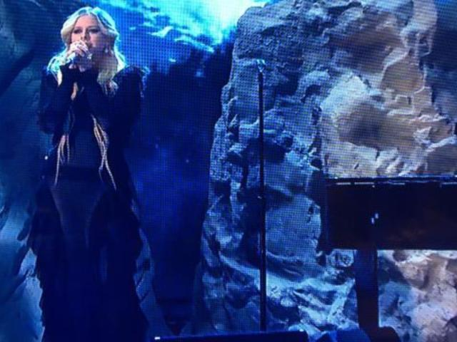 Avril Lavigne Performs New Song 'Head Above Water' on 'DWTS'