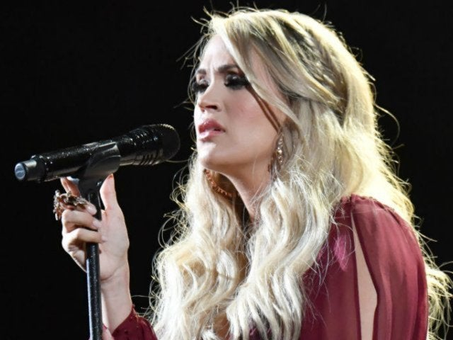 Carrie Underwood Says Stitches From Her Accident Made It Impossible to Sing