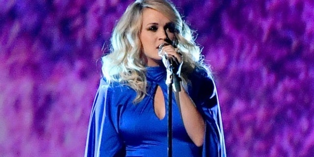cma-awards-2018-carrie-underwood-love-wins