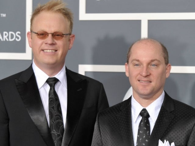 Dailey and Vincent Release First Christmas Album After 11 Years Together