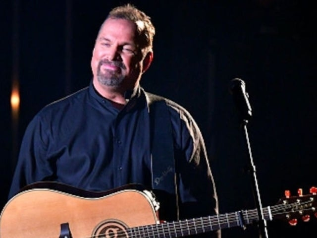 Garth Brooks Sings the Praises of His Favorite Pop Stars