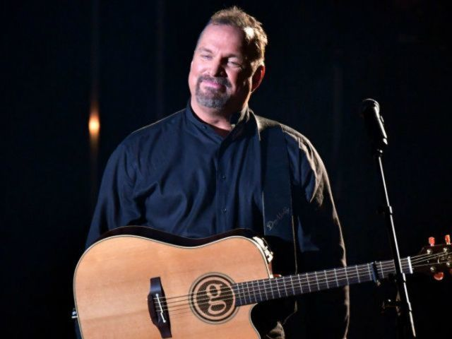 Garth Brooks Is Ready for a Woman to Be President