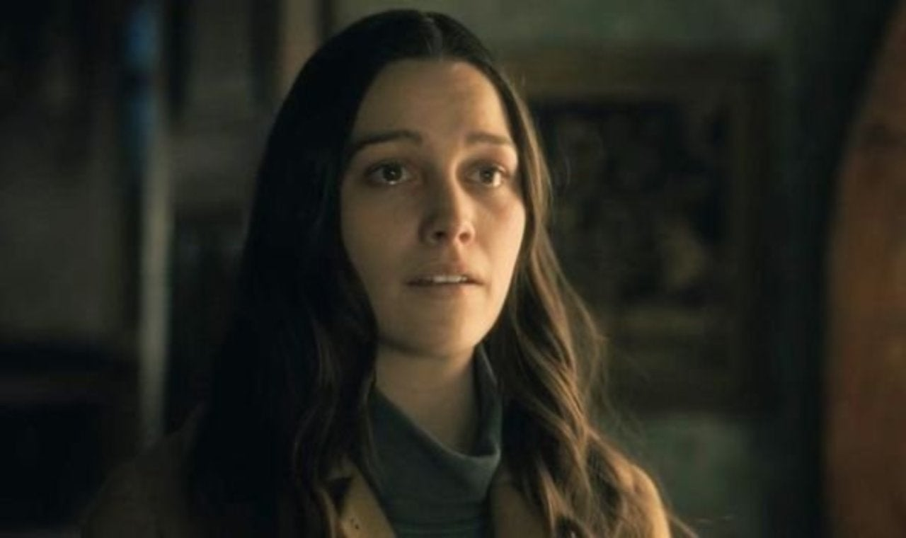 The Haunting Of Hill House Victoria Pedretti Returning For Season 2
