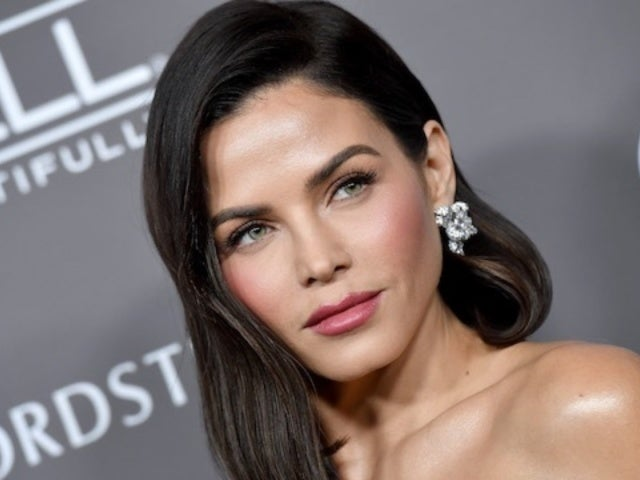 Jenna Dewan's New Man Steve Kazee Accompanies Family to Disneyland