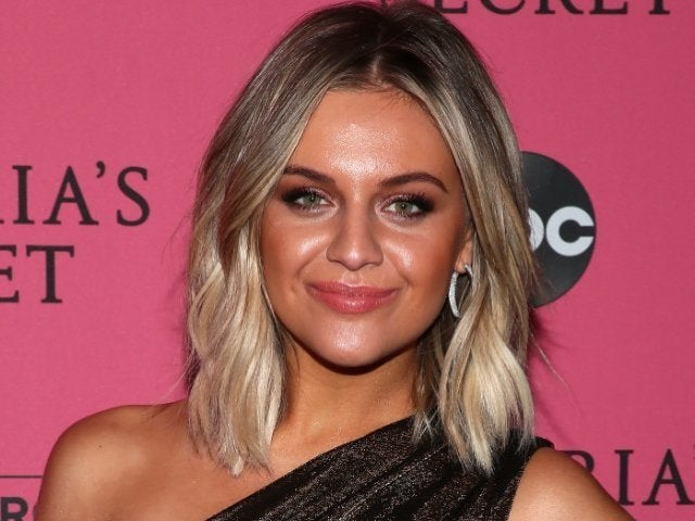 Watch Kelsea Ballerini Perform 'Miss Me More' on 'The Voice'