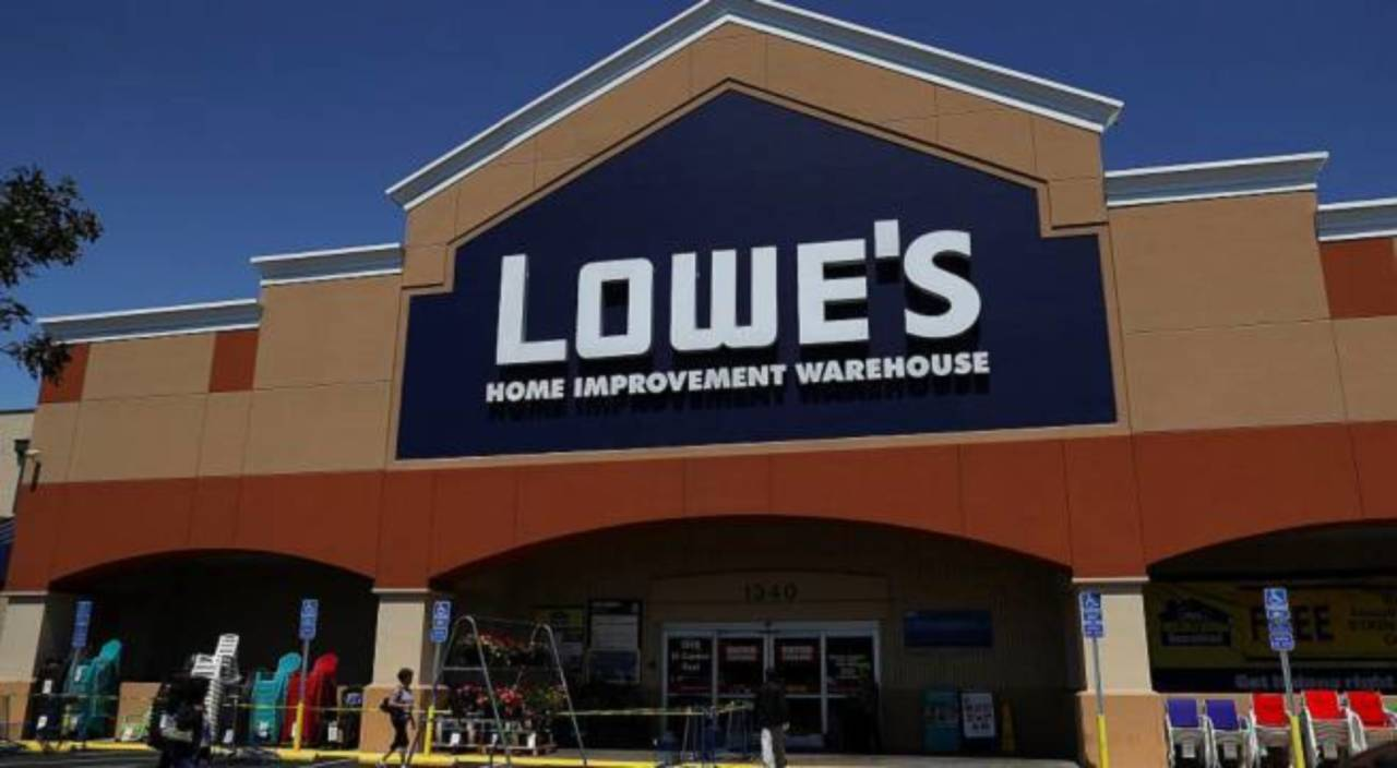 Lowe's to Lay off Thousands of Workers, Outsource to Third