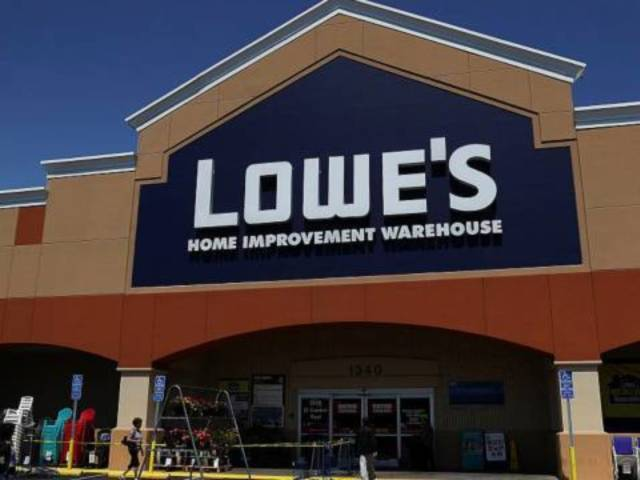Lowe's to Lay off Thousands of Workers, Outsource to Third Parties