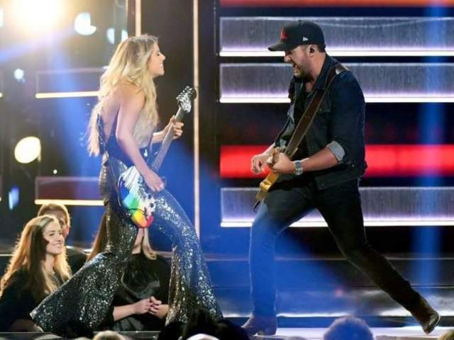 CMA Awards 2018: Luke Bryan Brings out Surprise Guests During Opening Performance