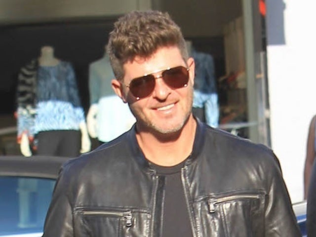 'Masked Singer' Panelist Robin Thicke Dishes on Secret Clues and Season 2