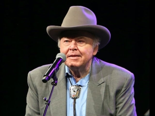 Country Stars React to Roy Clark's Death