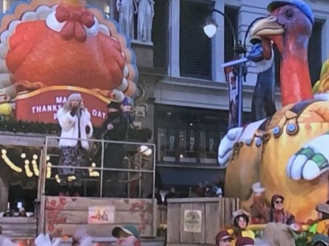 Sugarland Performs on the Macy's Thanksgiving Day Parade
