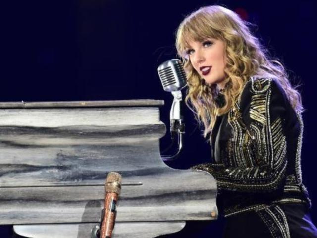 Taylor Swift Gives Rare Social Media Shoutout to Boyfriend Joe Alwyn