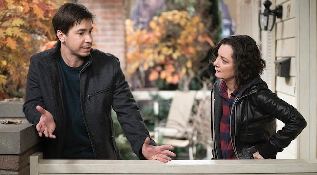 the-conners-episode-5-darlene-justin-long