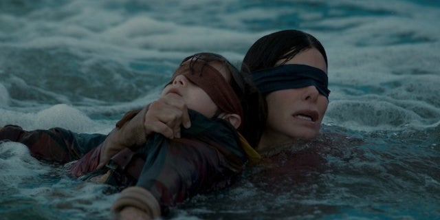 BIRD-BOX-Netflix-Julian-Edwards-Sandra-Bullock