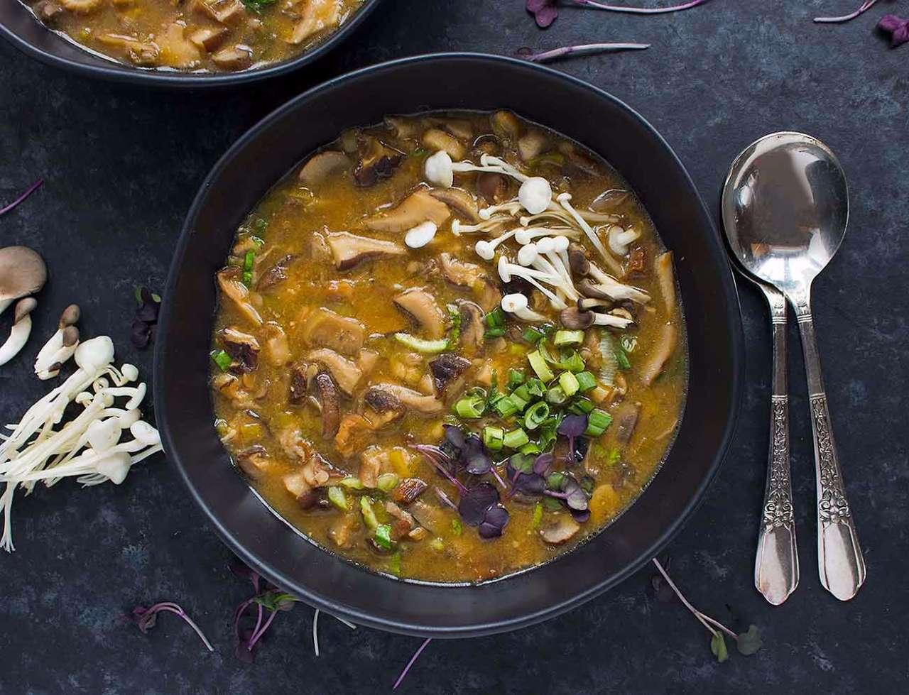 detox-wild-mushroom-miso-soup-1361-1217