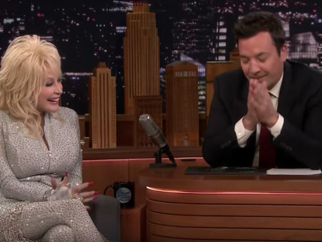Dolly Parton Cracks Lewd Joke About Her Husband on 'The Tonight Show'