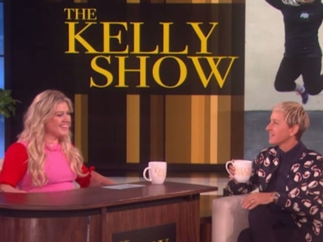 Kelly Clarkson Reportedly Eyed as Ellen Degeneres' Replacement Amidst Retirement Talk